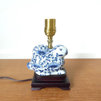 Blue and white porcelain bunny accent lamp on wood base