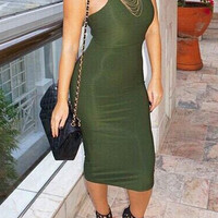 Round Neck Sleeveless Solid Color Bodycon Dress