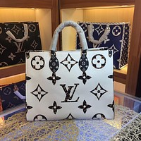 HCXX 19June 486 Louis Vuitton LV Manogram Sprint High-Capacity Onthego Handbag 41-34-19 white