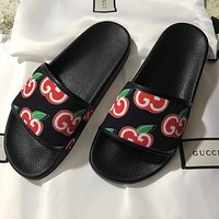 GUCCI double G cherry print beach slippers for men and women