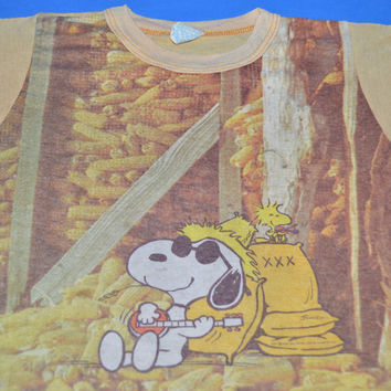 70s Snoopy Playing Banjo Woodstock Peanuts t-shirt Youth Small