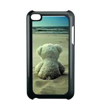 Little Teddy Bear in Beach Ipod 4 Case