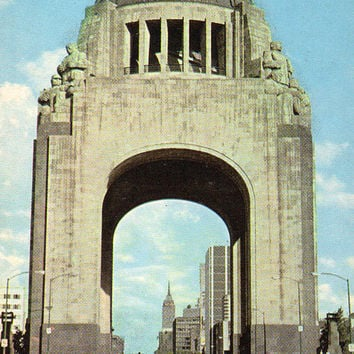 The Monument To The Revolution. Mexico City (Photo by L. Borodulin & B. Svetlanov) Vintage Postcard - Printed in the USSR, «Planet», 1970