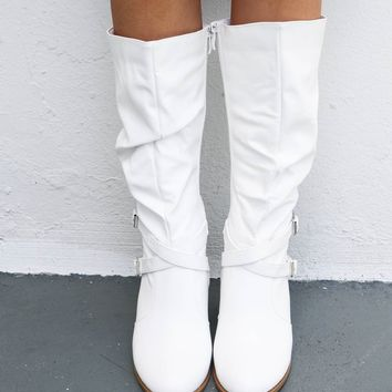 Very Cali Trendy White White Boots