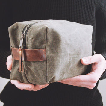 Leather & Waxed Canvas Dopp Kit