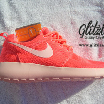 Women's Nike Roshe Run- Hyper Punch / Peach Sole