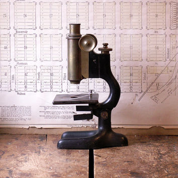 Vintage Bausch and Lomb Microscope - Model 111587 from 1916