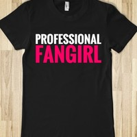 PROFESSIONAL FANGIRL FITTED T-SHIRT (PNK WHT 312193)