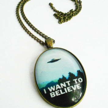I Want to Believe Sci Fi Necklace X-Files Aliens