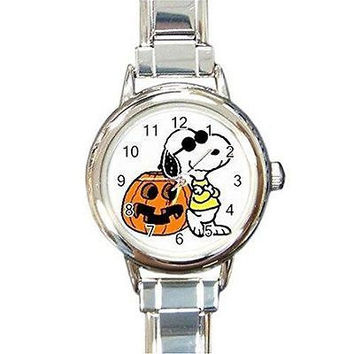 """Halloween Snoopy and Jack O""""Lantern on a Womens or Girls Round Charm Watch"""