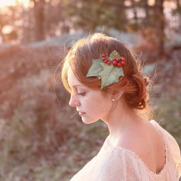 Holiday Hair Clip, winter wedding, bridal hair clip, christmas leaf fascinator - holly and ivy