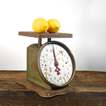 Antique Kitchen Scale, Rusty Farm House Scale