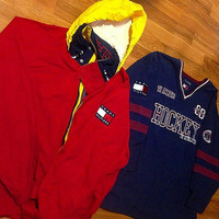 2 Vintage 90's Tommy Hilfiger Windbreaker and Sweater jersey Large