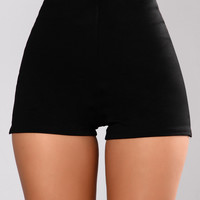 Always Right Shorts - Black