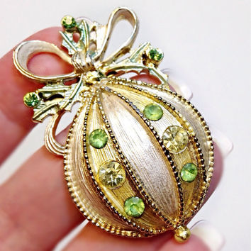 Christmas Ornament Brooch Goldtone and Green Rhinestone Pin