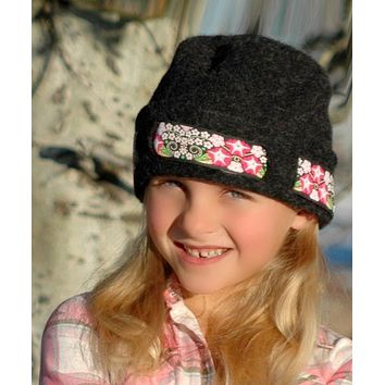Kids / Youth Lined Hat with Ribbon