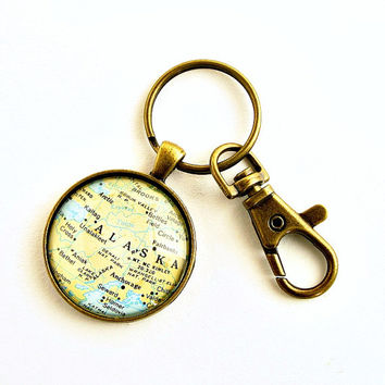 Alaska Map Keychain / Alaska Keyring / Gifts under 25 / Christmas Gifts for Men / Gifts for Brother / Gift for Boss / Gift for Neighbor