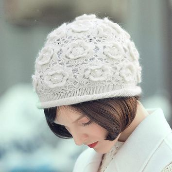 Winter Warm Sweet Skullies & Beanies Thermal Floral Hat with Liner White Black Cashmere Knitted Cap All Match Fashion MZ039