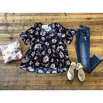 *BELLES & STEALS* Lottie Top in White and Navy