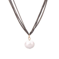 Five Fine Chain Faux Pearl Pendant Necklace in Black