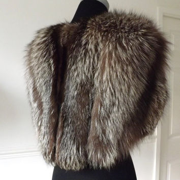 Silver Fox Fur Cape / Vintage Fox Shrug / Silver Fox Wrap / Vintage Bridal Accessories / Old Hollywood Glamour / Great Gatsby / Fox Stole