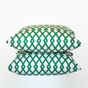 Set of 2 Green and White Decorative Throw Pillows // Green and White Pillow Covers // Green Geometric Pillows // Green and White Home Decor
