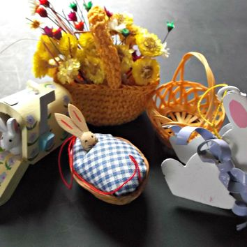 Five Vintage Easter Decorations Ornaments Baskets Bunny Rabbits Straw Flowers
