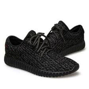 NEW MEN AND WOMEN YEEZY BOOST SHOES SPORTS SIZES 7 to 11