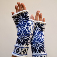 Nordic Fingerless Gloves - Wool White and Blue Fingerless Gloves - Scandinavian Gloves with Stars - Knit Fingerless Gloves nO 130.