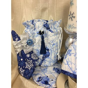 Winter Wonderland Blue Jay Tea Cups and Teapots Tea Cup Carrier Tote