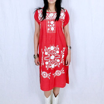 Vintage 70s Red Mexican White Hand Embroidered Flower Design Oaxacan Peasant Dress M // S