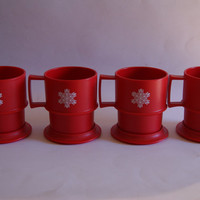 Vintage 1970s Lot Of 4 TUPPERWARE Red Christmas Stacking Mugs With Coasters Snowflake Motif On Side