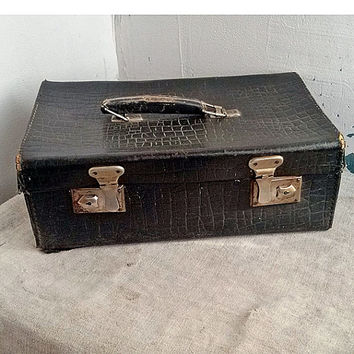 Antique suitcase for a medic, doctor, pharmacist, physician, apothecary,  Bags & Purses, medicine chest, health care, medical aid, MyWealth