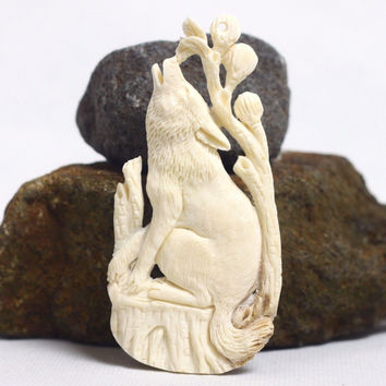 """Hand Carved wolf 3.5"""" Natural Buffalo Bone Pendant Bead Necklace Jewelry BP1437"""