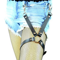 """Black X 3/4"""" Wide Strap & 1 1/4"""" Silver O-ring Leather Thigh Leg Harness"""