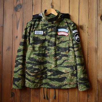 Vintage Men's Embroidered Camo Jackets with Hood