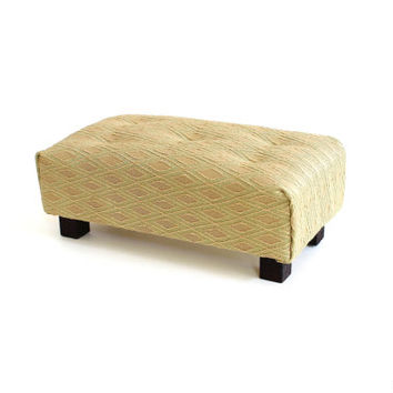 "1/6 scale Miniature Tufted Fabric Upholstered Ottoman for dolls(Blythe, Barbie, Pullip, Obitsu, Momoko, 12"" Fashion dolls, BJD)."