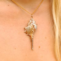 Oversized Shell Aloha Necklace in Gold