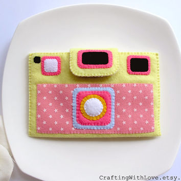 Yellow Pink Stars Camera iPhone Felt Case. Gift for her. iPhone4/4s Sleeve. Digital Camera, Phone Cover cozy.