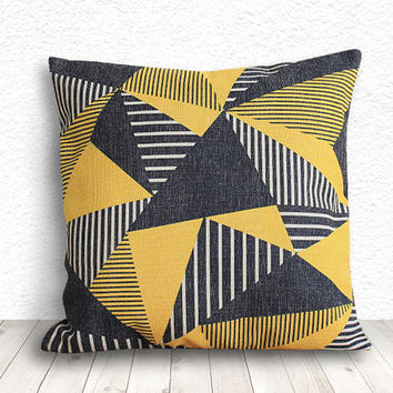 Pillow Cover, Geometric Pillow, Triangle Pillow Cover, Linen Pillow Cover 18x18 - Printed Geometric - 114