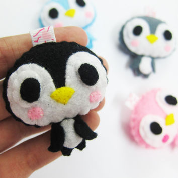 Cute Penguin Keychain/Phone Charm/Magnet - Raul, Gloria, Paul, Penny