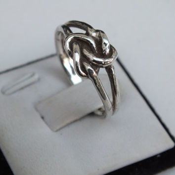 Sterling Silver Ring Celtic Style Knot Design, Dual Wire Band Size 8 Vintage Designer Precious Metal Ladies Jewelry Free Shipping Gift Box