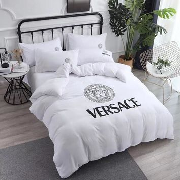 Versace Home Blanket Quilt coverlet 2 Pillows Shams 4 PC Bedding Set