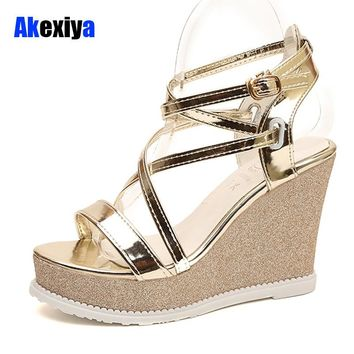 Akexiya Summer Fashion Patent Leather Gladiator Sandals Women Buckle Strap Super High Heels wedges Platform Shoes Woman m439