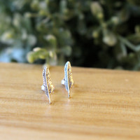 Sterling Silver Feather Stud Earrings, Feather Cartilage Stud, Sterling Silver tiny stud earrings, Silver Post, Everyday jewelry