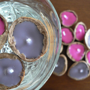 Set of 14 ecofriendly walnut floating candles / Wild berries scented pink and grey soy wax candles / Home & garden decor / Party favors