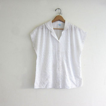 20% OFF SALE Vintage white cotton tank top. cut out eyelet top. basic white button up shirt. minimalist modern floral blouse