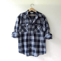 20% OFF SALE. Vintage blue plaid boyfriend flannel / Grunge Shirt