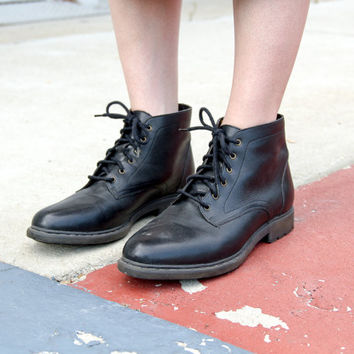 vintage black lace up boots 8.5 / black leather ankle boots women / black ankle booties / 90s boots