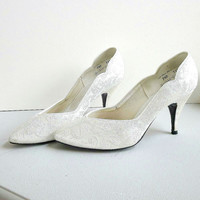 Vintage White Paisley Brocade Satin High Heel Shoes with touches of Pink & Green